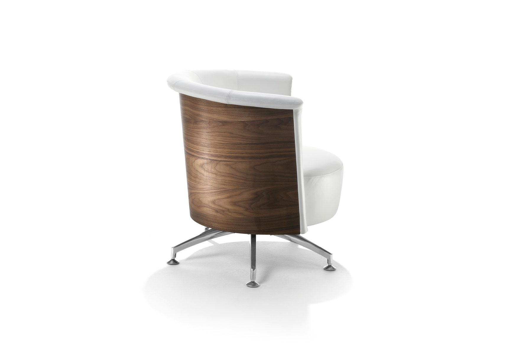 signet top sessel ein sessel mit rundem holzr cken der seines gleichen sucht. Black Bedroom Furniture Sets. Home Design Ideas